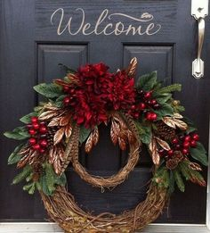 Learn how to make easy and fun DIY dollar store Christmas decorations with this awesome grapevine holiday wreath! You only need a few supplies which you can pick up at your local dollar tree and these will make perfect front porch Christmas decorations Noel Christmas, Christmas Projects, All Things Christmas, Burlap Christmas, Christmas Swags, Christmas Flowers, Black Christmas, Christmas Design, Country Christmas