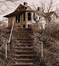 Abandoned on Haunted Hill   Cincinnati Ohio