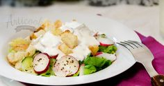 This Summer Salad with Yogurt Sauce can contain every vegetable you can find during the summer. I used yogurt as a dressing and bread croutons, so that the salad can be complete.