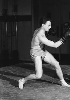 James Cagney sparring, 1933