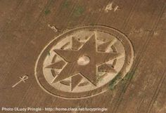 Crop circle discovered on 10 July 1998 at Dadford near Silverstone Racecourse, Buckinghamshire UK