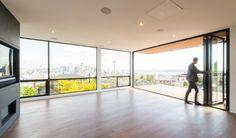 دیوار شیشهای متحرک و قابلتغییر  #مساحت #تکنولوژی_معماری #طراحی_پنجره #مصالح_ساختمانی #نمای_شیشه_ای #نور_در_معماری #masahat #Architectural_technology #Design_Window #Building_Materials #Glass_facades #Light_in_Architecture