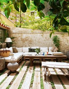Vintage House with Exact Taste in Barcelona