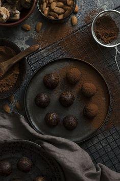 Healthy Chocolate Fig Truffles