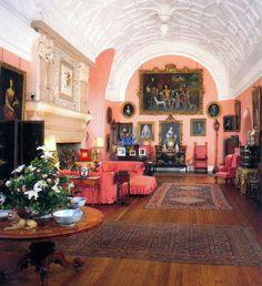 English Castle Interiors   The Queen Mother´s bedroom ...
