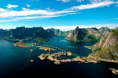 http://www.tripadvisor.com/Hotel_Review-g1527771-d1528130-Reviews-Eliassen_Rorbuer-Reine_Moskenes_Municipality_Nordland_Northern_Norway.html