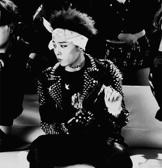 G-Dragon is so cool.