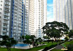 Looking to have a staycation in Quezon City? Check out our article about SM Grass Residences which is just walking distance from SM North EDSA and Trinoma. Quezon City, Staycation, Philippines, Grass, Multi Story Building, Grasses, Herb
