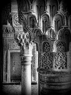 columnas y capiteles en el pabellon sur del Genaralife