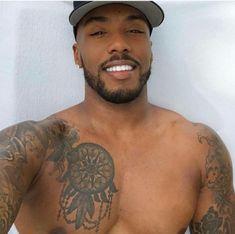 His mouth piece😍😍😍 Fine Black Men, Gorgeous Black Men, Handsome Black Men, Black Boys, Fine Men, Beautiful Men, Beautiful Teeth, Chocolate Men, Beard Gang