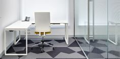 L'Oréal Moscow - Bene Office Furniture +++ Business box for temporary work with T-Workstation & #B_Run swivel chair.