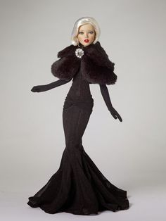 THE FASHION DOLL REVIEW: Modern Doll exclusive Deja Vu: Moonlit Ball from Tonner Doll