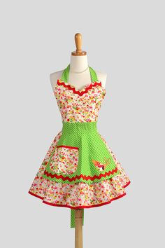 Sweetheart Retro Apron / Womens Apron has by CreativeChics on Etsy, $ 38.00