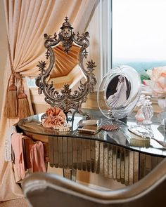 .Art Deco dressing table