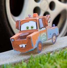 Free printable Tow Mater 3D Papercraft.  http://family.go.com/printables/article-1015893-cars-printable-tow-mater-3d-papercraft-t/?cmp=SYN-DIS_Dcom_Cars_Activities_3DMater_Fcom