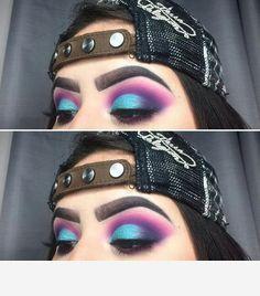 Eyeshadow Looks Purple & blue eyeshadow look Lila u. Bright Eye Makeup, Colorful Eye Makeup, Blue Eye Makeup, Eye Makeup Tips, Colorful Eyeshadow, Skin Makeup, Eyeshadow Makeup, Makeup Inspo, Makeup Inspiration