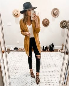 Top 35 Trends Outfits You Need To Try For This Fall ~ Fashion & Design Outfits 2019 Outfits casual Outfits for moms Outfits for school Outfits for teen girls Outfits for work Outfits with hats Outfits women Outfits With Hats, Casual Fall Outfits, Fall Winter Outfits, Autumn Winter Fashion, Spring Outfits, Fall Fashion Outfits, Fall Fashion Trends, Night Outfits, Winter Style