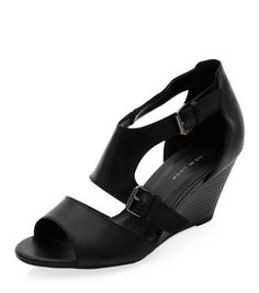 - Real leather- Strappy design- Heel height: 3