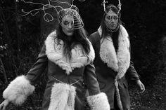 Into the woods  Instagram: philippethomasdesign philippethomasdes... #philippethomasdesign #furfashion #jackets #Riding #woods #luxusdesign #Headdress #models #iron #silver #mask Silver Mask, Fur Fashion, Men's Collection, Headdress, Woods, Jackets For Women, Iron, Models, Pets