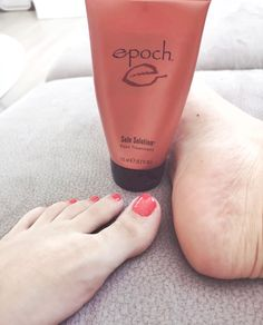 Epoch Sole Solution Foot Treatment is a therapeutic foot cream for those suffering from rough, dry, or cracked feet. Cracked Heels Treatment, Dry Cracked Feet, Cracked Skin, Epoch Sole Solution, Heel Balm, Skin Care Routine Steps, Foot Cream, Moisturizer For Dry Skin, Skin Care