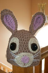 Free Crochet Bunny Hat Pattern in multiple sizes. This sturdy and adorable bunny hat is fun to wear and durable too! Crochet Kids Hats, Easter Crochet, Crochet Bunny, Crochet Beanie, Cute Crochet, Crochet Animals, Crochet Crafts, Crochet Projects, Knit Crochet