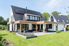 Chalet Design, House Design, Modern Lake House, Two Storey House, Outside Living, House Front, Exterior Design, Custom Homes, Villa
