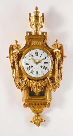 18th Century Neoclassical French Louis XVI Gilt Bronze Cartel Clock image 2