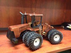 Wooden Case IH tractor