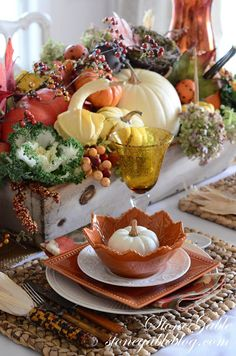 StoneGable: THANKFUL FOR HOME~ COUNT YOUR BLESSINGS! Thanksgiving / Fall Centerpiece in wood box