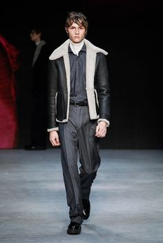 #londoncollectionsmen Jan 8-11 Photos-> http://accessrunway.com/index.php/london/photo-galleries/fall-winter-2016-2017-menswear-runway-shows/8073-tiger-of-sweden-menswear-fall-winter-2016-2017-london Tiger of Sweden Fall/Winter 2016/2017   #lcm