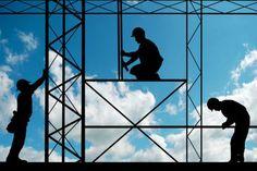 Os andaimes são plataformas de elevação que possibilitam um grande número de atividades na construção civil e em reformas. Conheça os diferentes tipos de andaimes existentes e descubra qual o ideal para a sua obra. Andaimes são essenciais na...