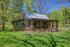 NEST is a pretty little cabin in the woods of Franklin, Tennessee, that you can rent for your next vacation through Shelter + Roost. Tiny Cabins, Cabins And Cottages, Little Cabin, Little Houses, Cabin Homes, Log Homes, Cabana, Ec 3, Tennessee Cabins