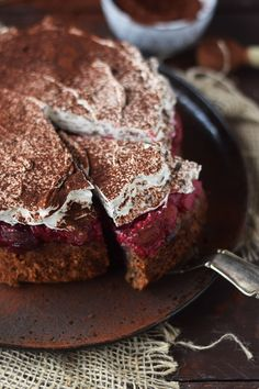 Hazelnut cherry cake: a family classic - Essen und Trinken - Kuchen Delicious Cookie Recipes, Best Cookie Recipes, Chocolate Cherry Cake, Small Cake, Food 52, Amazing Cakes, Food Inspiration, Food And Drink, Favorite Recipes