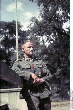 Oberfeldfebel Rudolf Kruger (Rudolf Krüger), holder of the Knight's Cross. He was awarded the Knight's Cross of October 5, 1941 while serving in the 6th company of the 32nd Infantry  Regiment. -