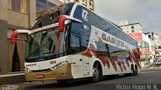 Foto do ônibus 2014 da empresa Gadotti Turismo na cidade de Guarapuava, Paraná, Brasil, por Victor Hugo M. N.