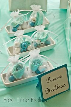 See necklaces and sponge bombs , 22 Spectacular FROZEN Birthday Party Ideas - girl. Inspired.