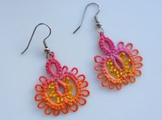 Hand-painted tatted thread dangle earrings by LadyTatterly (No. 10 cotton thread)