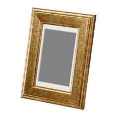IKEA - VIRSERUM, Ramme, 10x15 cm, , PH-nøytral passepartout; misfarger ikke bildet.Rammen kan henges på vegg eller stilles på et bord.Rammen kan brukes horisontalt eller vertikalt, etter hva som passer deg eller bildene dine best.Du kan forsterke og øke bildets dybde ved å bruke passepartouten som følger med.