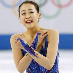 ソチ冬季五輪のフィギュアスケート女子フリーの演技を終え、涙と笑顔を見せる浅田真央(20日)=共同 (630×632) 「忘れない冬、物語は4年後へ ソチ五輪熱戦に幕」 http://www.nikkei.com/article/DGXNASDG2102K_T20C14A2CC1000/