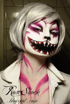 Great halloween make up. Now I want to be the Chesire Cat for halloween. Too bad I work every halloween! Halloween Bonito, Halloween Mode, Looks Halloween, Scary Halloween, Halloween Face Makeup, Halloween Costumes, Zombie Makeup, Halloween Clothes, Horror Makeup