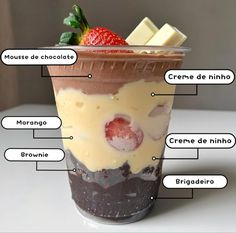 Fun Desserts, Delicious Desserts, Chocolate Dreams, Cafe Food, Pastry Cake, Chocolates, Sweet Recipes, Cravings, Food To Make