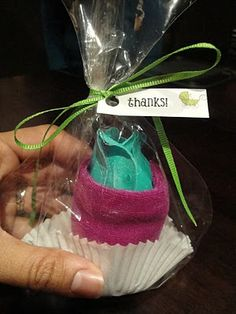 Spa Washcloth Cupcake Baby Shower Favors Tutorial - Homemade, Simple and Cute!