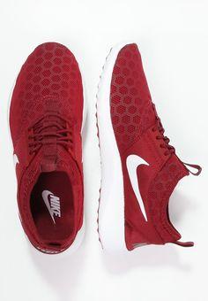 Nike - JUVENATE - 95 €