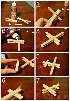 Step by step airplane craft Wooden Craft Sticks, Craft Stick Crafts, Preschool Crafts, Fun Crafts, Crafts For Kids, Arts And Crafts, Airplane Crafts, Airplane Party, Halloween Party Games