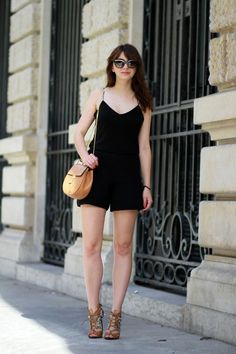 the brunette blog mode paris black outfit