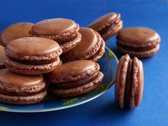 Ha macaronnap, akkor macaron! - Dívány Sweets Cake, Macarons, Biscuits, Food And Drink, Favorite Recipes, Cookies, Xmas Cakes, Desserts, Crack Crackers
