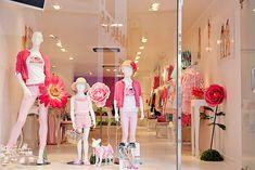 Nuestra Tienda por dentro Clothing Boutique Interior, Boutique Decor, Boutique Interior Design, Children's Boutique, Clothing Store Displays, Clothing Store Design, Kids Store, Shop Interiors, Baby Shop