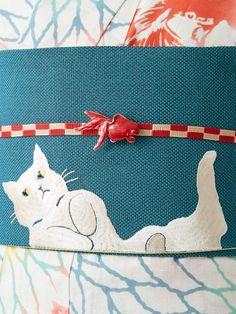 Yukata, Japanese Kimono, Japanese Culture, Kimono Fashion, Goldfish, Cat Lady, Textile Design, Sewing Hacks, Collars