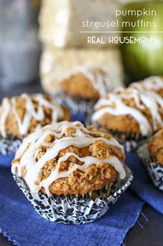 Loaded with pumpkin flavor & delicious glaze, these Pumpkin Streusel Muffins are the epitome of the perfect fall breakfast! Pumpkin Recipes, Fall Recipes, Yummy Recipes, Pumpkin Dishes, Muffin Recipes, Thanksgiving Recipes, Recipies, Yummy Food, Muffins