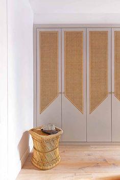 Wardrobe Door Designs, Wardrobe Doors, Built In Wardrobe, Diy Closet Doors, Modern Closet Doors, Closet Door Makeover, Bedroom Closet Design, Bedroom Decor, Bath Decor